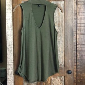 Express top, olive green, size small